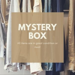 Not Your Average Reseller Mystery Box 5 Items EUC